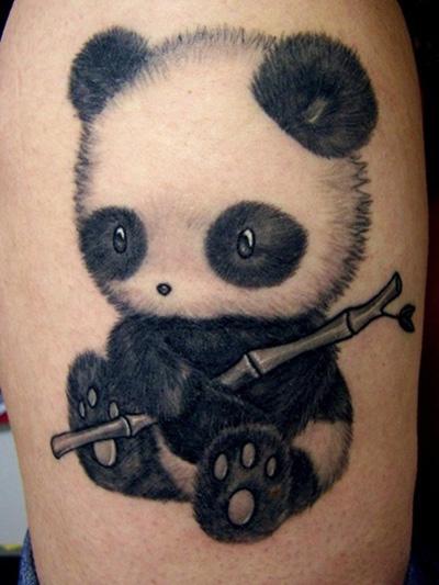 татуировка - панда с бамбуком