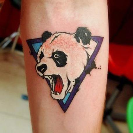 Татуировка - кричащая панда