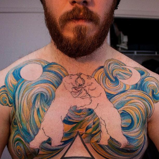 татуировка полярных медведей на груди