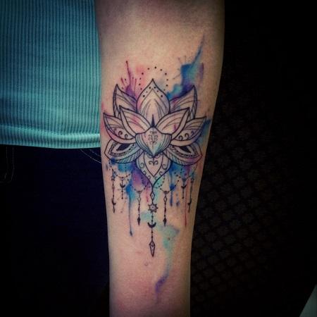 лотос tattoo - на предплечье