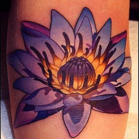 татуировка - фиолетовый лотос