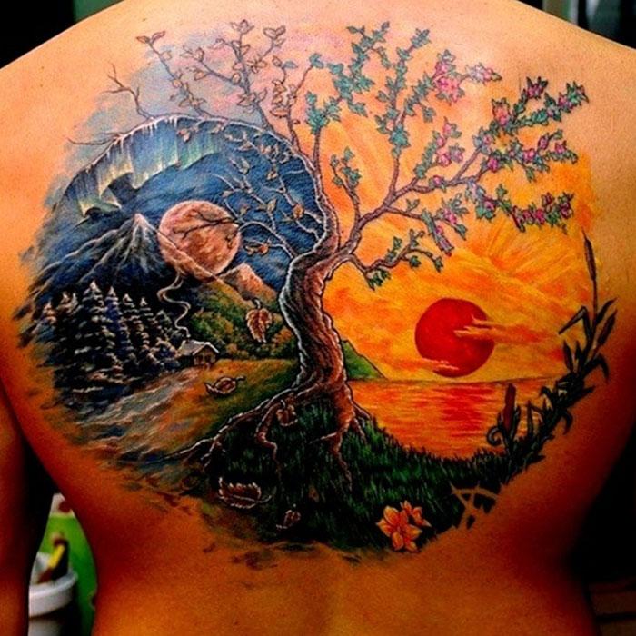 красивая татуировка - символ Инь Янь во всю спину