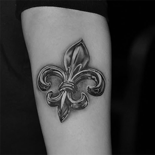 heraldic lily tatoo - photo